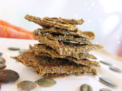 Raw Pulp Crackers of Carrot, Pumpkin, Nuts & Seeds m